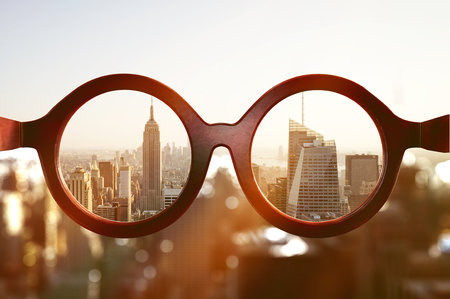 Bekijk op New York City door middel van een bril Stockfoto