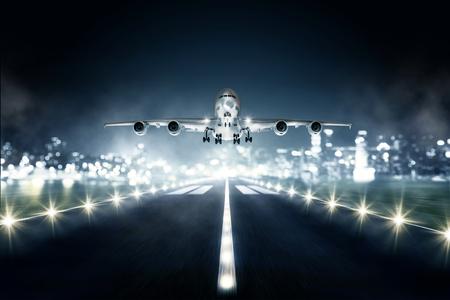 着陸の飛行機 写真素材