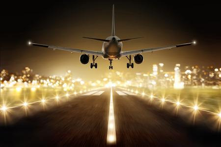 着陸時に飛行機 写真素材