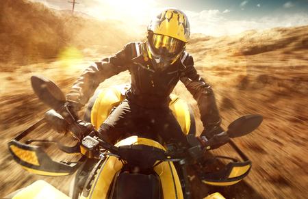 ATV Driver on full speed Imagens - 75687179
