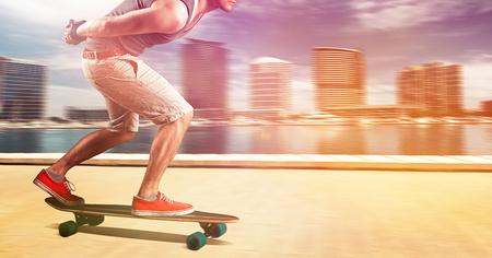ロングボーダースケート速い 写真素材