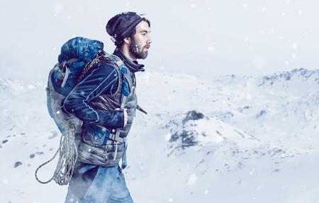 Alpiniste Banque d'images - 77452268