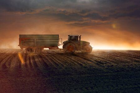 Harvesting tractor Imagens
