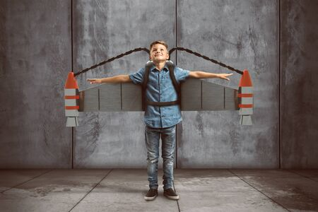 Child wears jetpack 스톡 콘텐츠