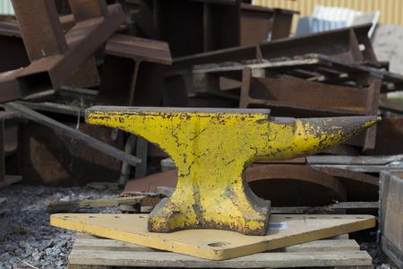 anvil: A huge anvil on device
