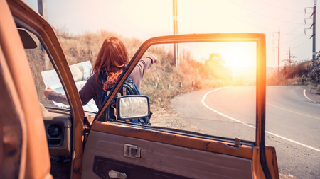 Drive old car Travel. Female travelers travel nature mountain map navigation Stock Photo - 91611785