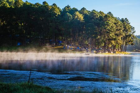camping and travel  Beatiful nature panorama view of Pang Ung lake in the mist at sunrise. 版權商用圖片 - 127423931