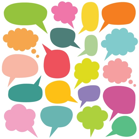 Ensemble de bulles de discours et de pensées colorées