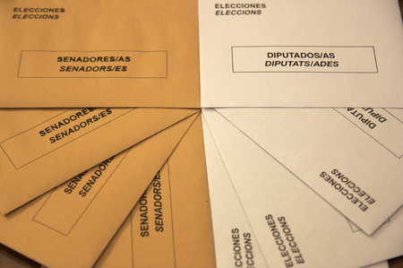 Envelopes the general elections in Spain. Two types of envelopes to elect the representatives of Spanish citizens in Congress and the Senate.