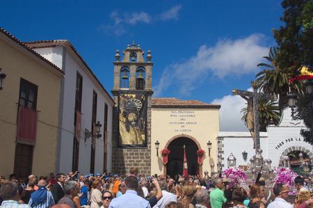 September 2016. SC de Tenerife, Spain. The entrance to the Royal Shrine of the Holy Christ of La Laguna during the big day of the Feasts of Christ in San Cristobal de la Laguna Редакционное