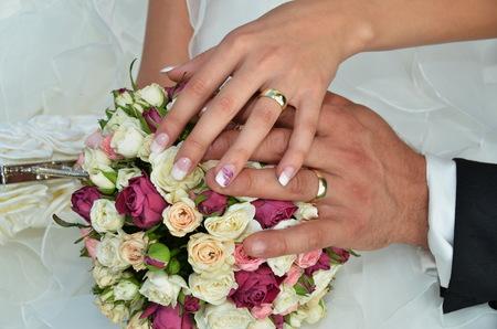 Net echtpaar met ringen