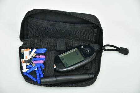 Electronic Glucometer Digital Handheld Blood Glucose Monitor Diabetes Test Meter Monitor Kit With  FREE test strips,Lancets Blood