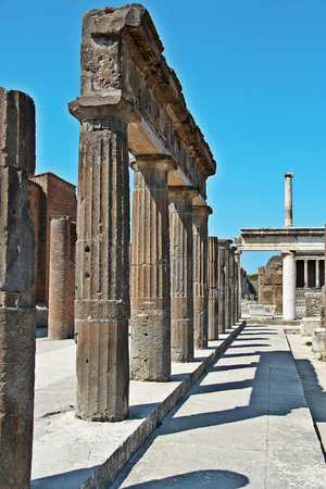 erupting: AT POMPEI - ON 0622 2017 - Ruins of  ancient roman town of Pompeii, destroyed by vesuvius eruption in 70 d.c. Editorial