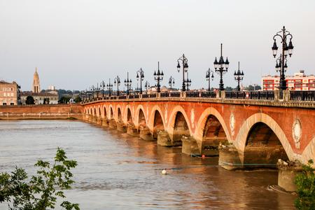Pont Pierre, il ponte più antico di Bordeaux