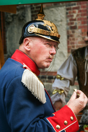 AT BERLIN - GERMANY - ON 31/08/2013 - man waering uniform of a prussian officier   at  Nikolaiviertel