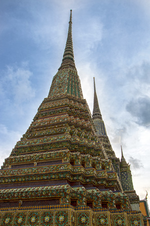 The temple of reclining Buddha, Wat Pho, the largest temple in Bangkok 版權商用圖片
