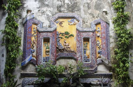 The fountain in the inner courtyard of the Museum of Trading Ceramics in Há»™i An 新聞圖片