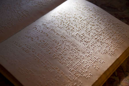 braille: p�gina escrita en alfabeto braille para ciegos