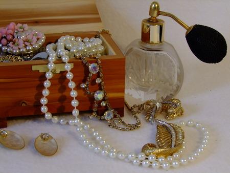 Jewelry Box filled with Grandmas Jewels Banco de Imagens