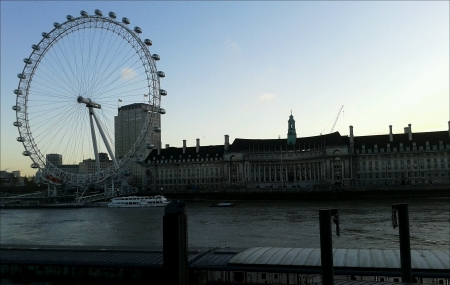 eye: London Eye from Victoria Embankment View Stock Photo