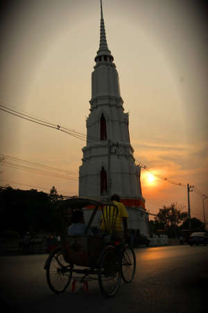 historic site: wat mani-sholakhan the old temple built since the reign of the fourth current is divided into two parts because the road cuts through the middle of it. the historic site of interest is the strange pagoda-shaped polygon, which is more spindly.
