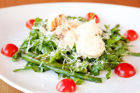 deepsea: Salad with deep-sea scallop, asparagus, rucola and parmesan