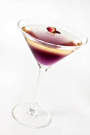 verm�: C�ctel con vermouth, cereza y licor de fresa