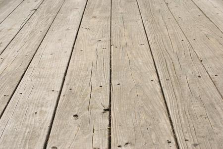 parquet floors: Pavimento in legno grunge con vecchi chiodi in esso