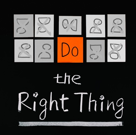 Do the right thing, paper cards and words on blackboard.  Stock Photo - 9809232
