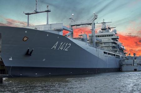 Kriegsschiff der Navy Standard-Bild - 10635895