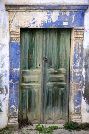 an old door as entrance Stock Photo - 11331847