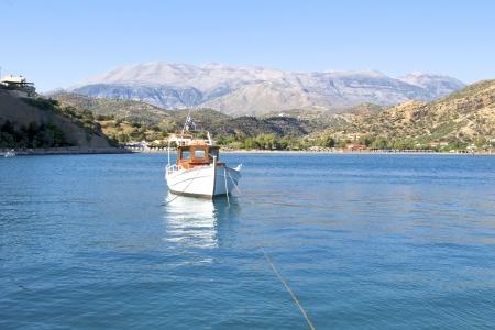 ida: The beach of Agia Galini and the mountain massif Ida in Crete  Stock Photo