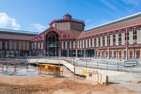 The Mercat de Sant Antoni was designed in 1882, an important time of the catalan modernism. The beach is located in the Sant Antoni district of Barcelona and is still under restoration