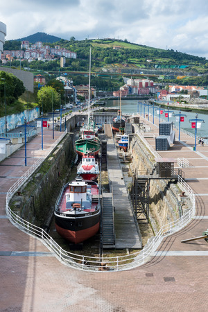 The Museum Museo Mar?timo Ria de Bilbao is a maritime exhibition in the city. It shows exhibits on shipping, the city history and the development of Bilbao Editorial