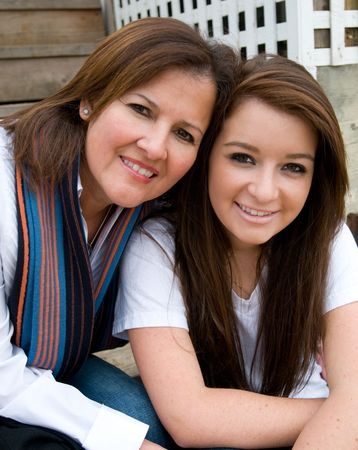 daughter mother: Mother and daughter enjoy their time together