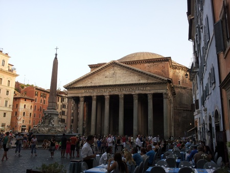 pantheon: Pantheon rome Editorial