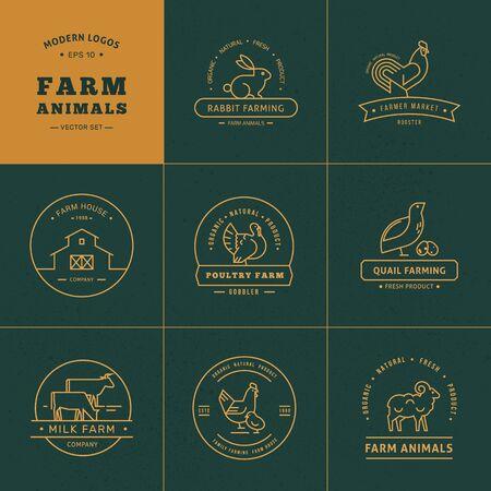 Wektor zestaw 8 logo farmy wykonane w stylu liniowym. Kolekcja dla rolników, sklepów spożywczych i innych branż. Na białym tle na tle wektor jest rysowane gospodarstwo z roślinami i górami.