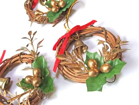 Its multiple wooden wreaths