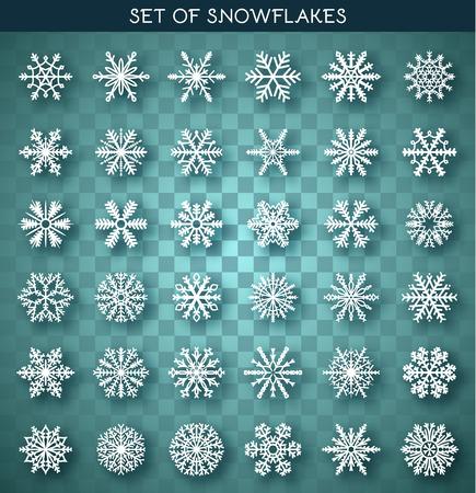 copo de nieve: Set 36 blancos copos de nieve diferentes hechos a mano con la sombra realista. Copo de nieve plana. Símbolos del Año Nuevo. Los copos de nieve para el diseño. Objetos de invierno. Elementos festivos. Doodle del copo de nieve. Copo de nieve del bosquejo Vectores