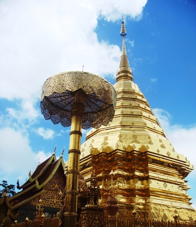 temple thailand: Gold Temple in Thailand
