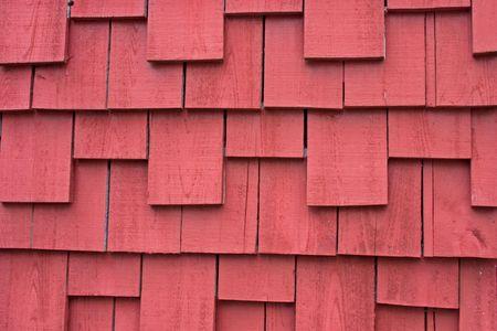 cedar shakes: parte de una casa antigua cubierta exterior con revestimiento agitar  Foto de archivo