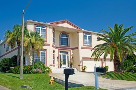 pastel pink coastal living home in Florida Stock Photo - 1425244
