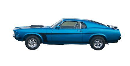 黒のストライプと青の古典的なアメリカ筋肉の車