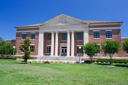 traditionally styled Florida county courthouse with brick and front columns