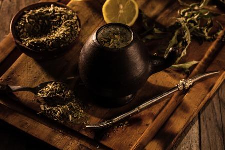 yerba mate: Yerba mate - Latin American hot drink herb tea Foto de archivo