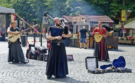 musik: Musikanten der Bohemian bards auf dem Wenzelsplatz in Prag, Tschechien; musicians of the Bohemian bards at the Wenzelsplace, Prague, Czech Republic