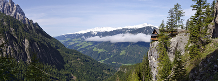 Schober 그룹과 Dolomite 오두막의 봉우리, Laserz 계곡, Tirol, Austria에서 본