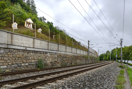 Stations of a calvary hill above a railway line along the Zeller lake at Salzburg, Austria Stockfoto