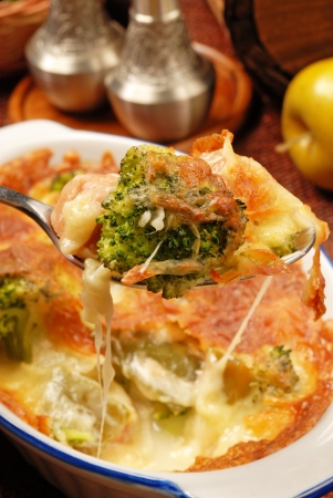 melted cheese: Broccoli gratin with melted cheese