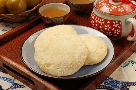 maltose: Also known as maltose pastry, sun cakes are a famous product of central Taiwan